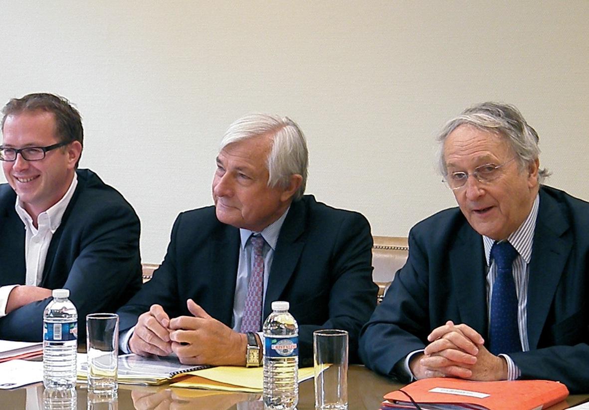 Yann Capet, président de la commission mer du Conseil régional, Jean-Marc Puissesseau, président de la CCI Côte d'Opale, et Daniel Percheron, président du Conseil régional.
