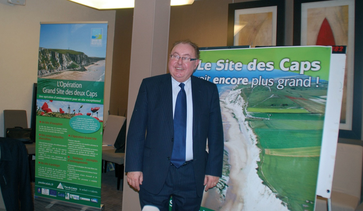 Le président du conseil général du Pas-de-Calais, Dominique Dupilet, qui s'est impliqué dans l'obtention du label Grand Site de France pour le site des Deux Caps, a été récompensé le 18 mai par une Marianne d'or.