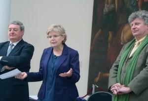 Joël Girre, directeur régional du Crédit du Nord, Catherine Cullen, adjointe au maire de Lille, déléguée à la culture, et Alain Tapié, conservateur en chef du palais des Beaux-Arts de Lille.