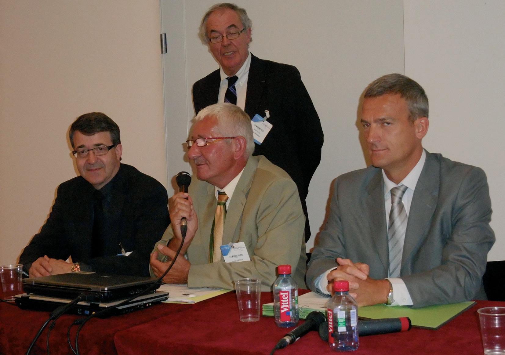 La convention entre ERDF, GRDF, La Poste et l'Union des DGS est signée au niveau de notre région.