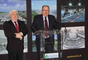 Lors de son intervention, Dominique Dupilet, président du conseil général du Pas-de-Calais, était accompagné de Michel Lefait, député et vice-président du Conseil général.
