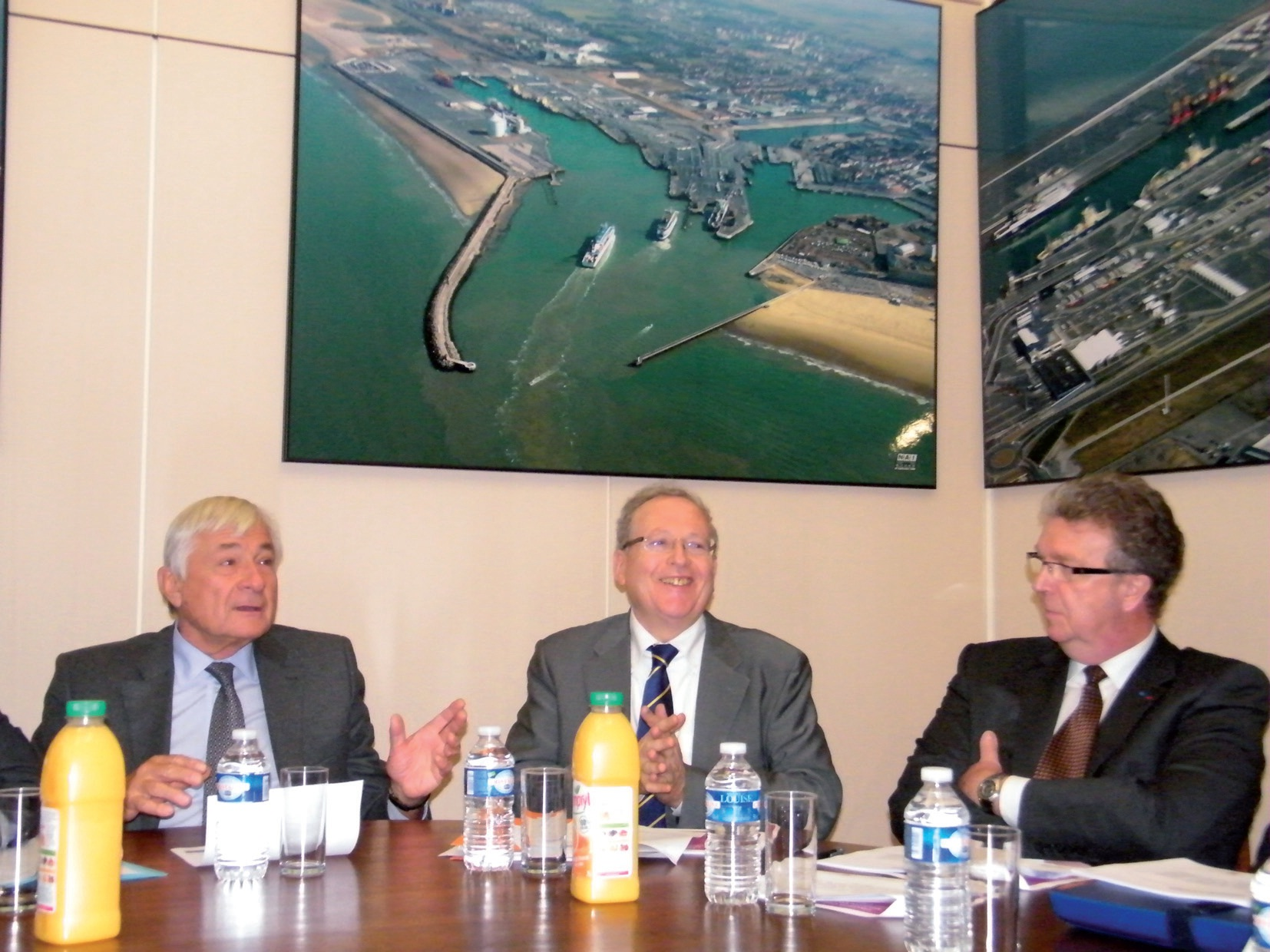 Jean-Marc Puissesseau, président de la CCI Côte d'Opale, Marc Welcomme, DRH de Vivendi, et Jean-Marc Duvivier, dirigeant de Finorpa.