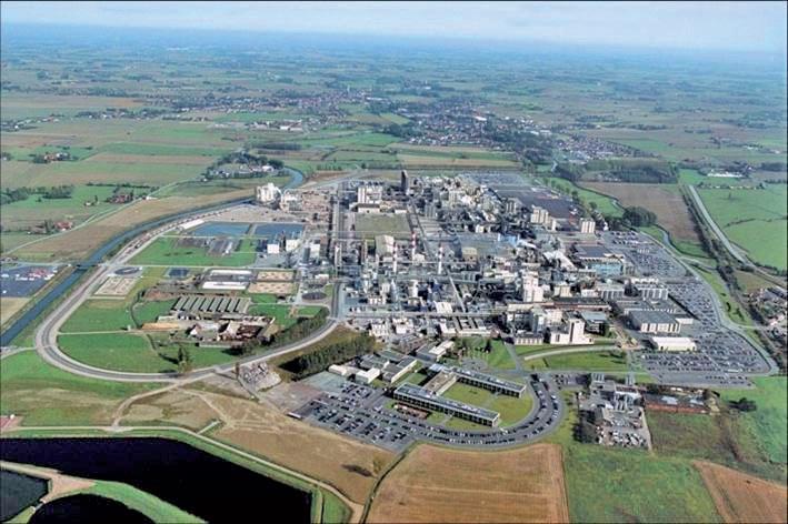 Le site de Roquette s'étend sur 150 hectares et regroupe le siège social, un centre de recherche et les usines de production.