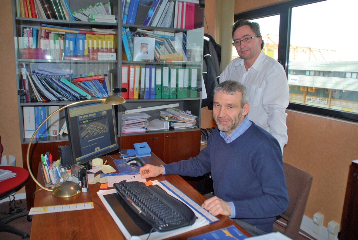 Thierry Lampe, chargé de mission du GIE Opale achats (à gauche), et Aymeric Chrzan, secrétaire général du Syndicat des mareyeurs boulonnais et du Syndicat national des saleurs-saurisseurs.
