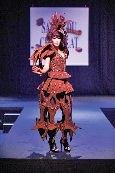 Le très attendu défilé de robes chocolatées aura lieu tous les jours à 17h.