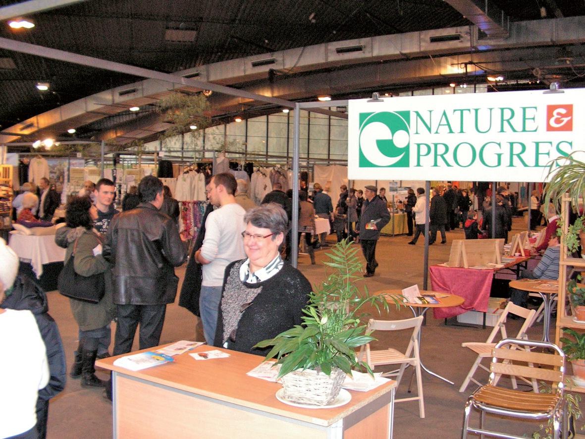Lors de l'édition 2011. Au premier plan, Marie-Claude Armand, présidente de Nature et Progrès.