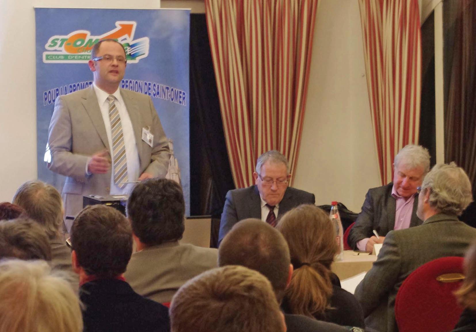 Thierry Wilbert, président de Saint-Omer challenge. A sa gauche, Francis Doyer, membre permanent.