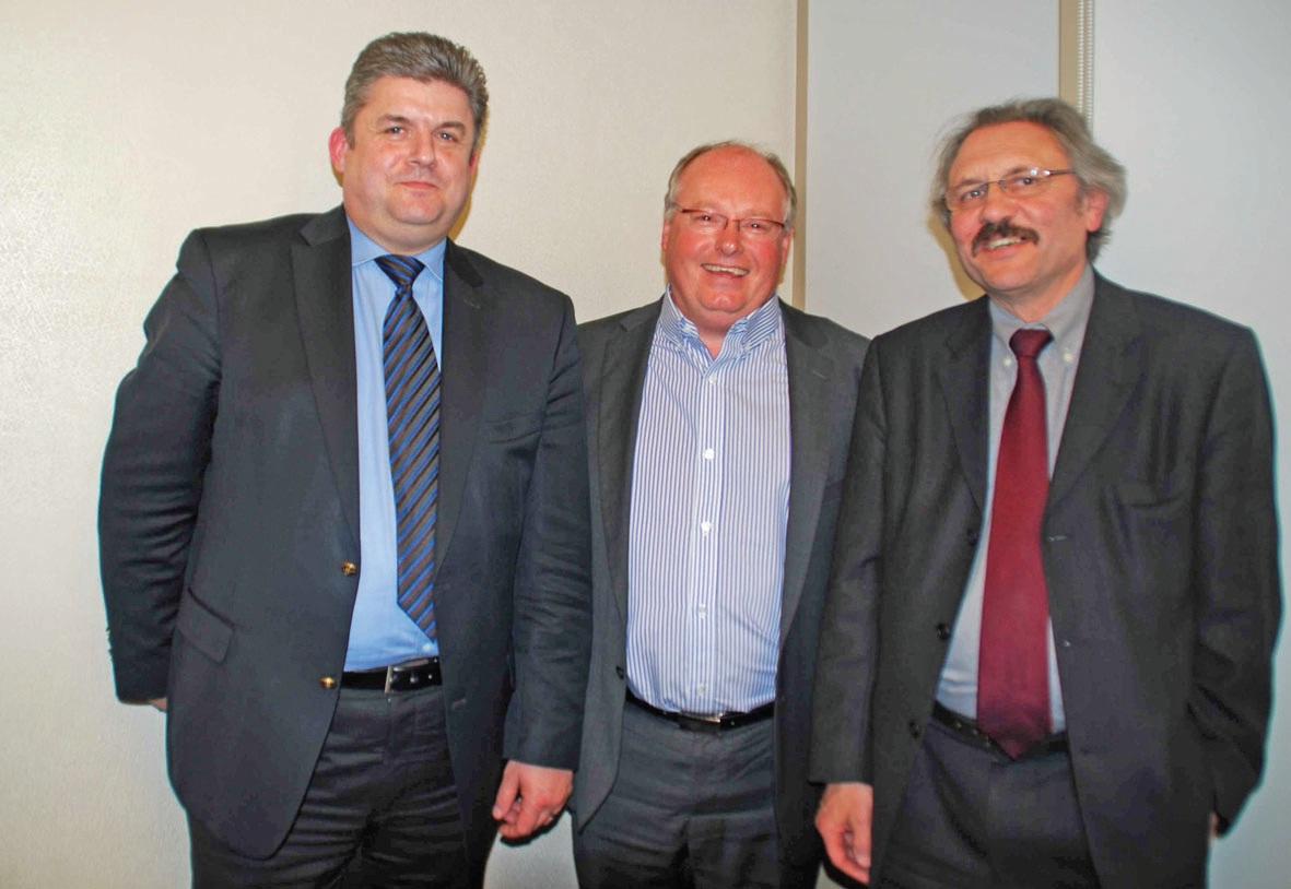 Les trois présidents – de gauche à droite : Thierry Grégoire (GE Reso), Alain Delpierre (GEIQ) et Hervé Hénon (Maison de l'emploi et de la formation du Boulonnais) – souhaitent favoriser l'embauche, la formation et la qualification de nouveaux salariés dans le secteur de l'hôtellerie et de la restauration.