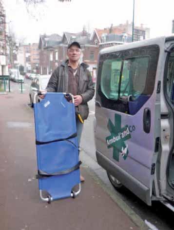 Thierry Briquet a investi en matériel pour équiper son ambulance dédiée aux transports d'animaux de compagnie. Plus qu'un métier, une vocation dictée par l'amour des compagnons à quatre pattes.