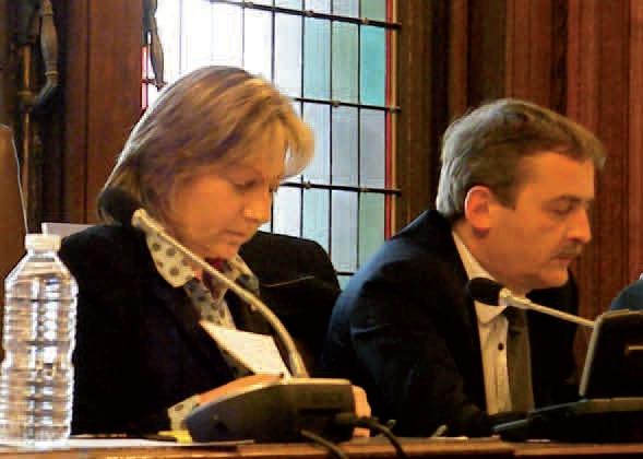 Natacha Bouchart, sénatrice-maire de Calais, et Philippe Blet, président de Cap Calaisis, lors du conseil municipal du 28 mars dernier.