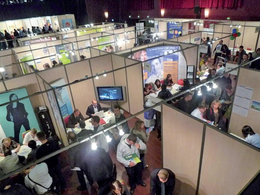 En attendant les 24 heures pour l'emploi, le jeudi 24 mai de 9h30 à 14h30 puis de 14h à 17h30, au stade du Hainaut de Valenciennes (entrée libre et gratuite), rendez-vous sur le salon virtuel www.24h-emploi.com