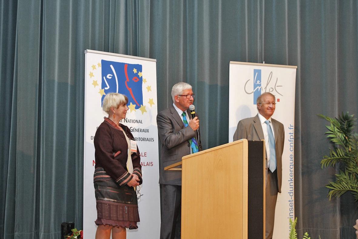 Joseph Pietrzyk (au centre), aux côtés de Daniel Delcroix, de la mairie de Billy-Berclau, et Sylvie Guillet, directrice de l'Inset de Dunkerque pour l'ouverture du congrès.