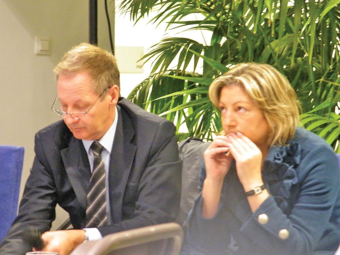 Guy Allemand, maire de Sangatte-Blériot, et Natacha Bouchart, sénatrice-maire de Calais et présidente de l'agence Calais Promotion, lors de la présentation du projet d'éco-quartier de la porte des Deux Caps le 11 mai dernier à Calais.