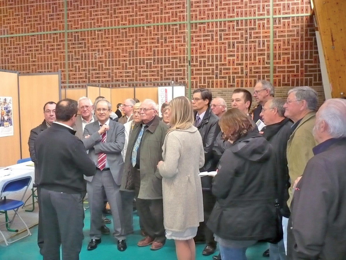 Le forum de l'emploi du Ternois a mobilisé de nombreux partenaires.