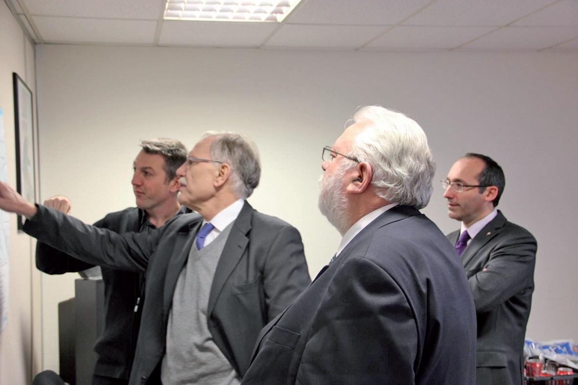 Franck Gonsse, Dominique Riquet, Jean-Pierre Decool et Paul Christophe en arrière-plan.