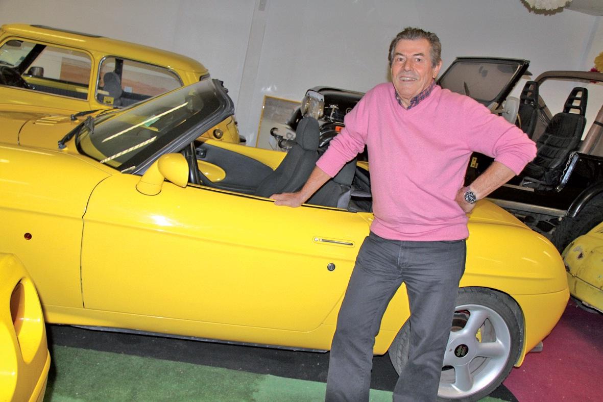 Michel Chartrez est également un passionné de voitures, principalement de 4 x 4 et de rallyes africains.