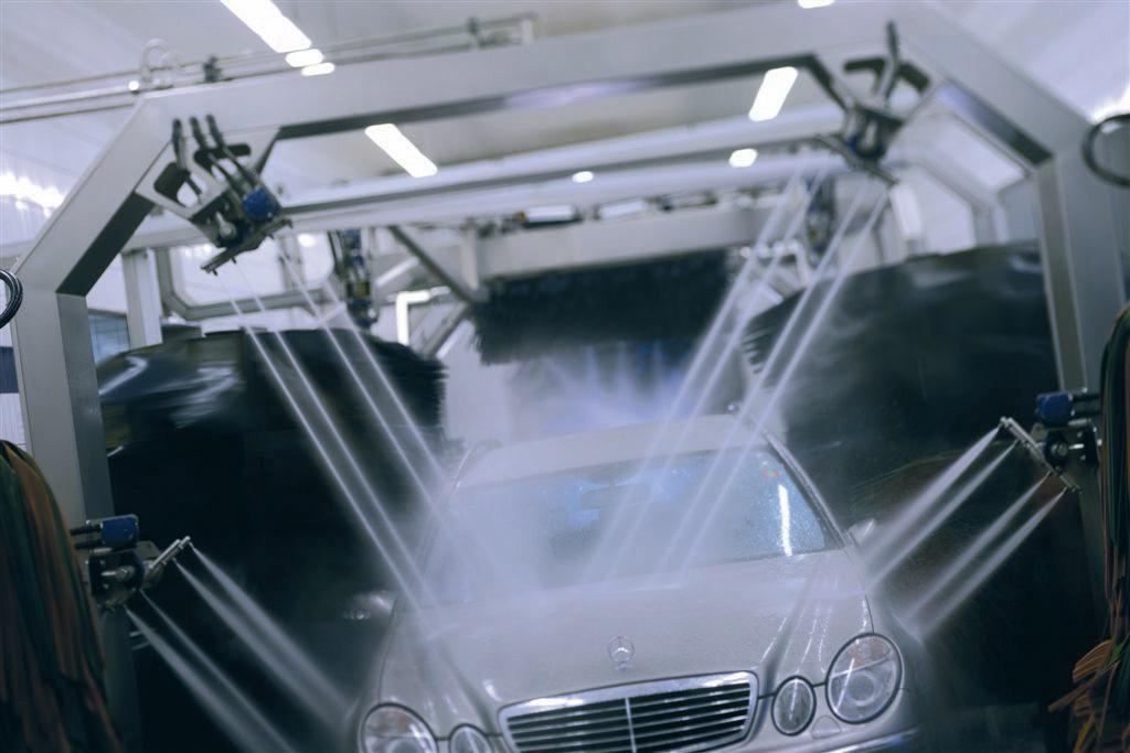 Ici un nouveau concept de lavage de voitures à Villeneuve-d'Ascq. Il y a souvent décalage dans le temps entre les besoins immédiats de l'entrepreneur et les circuits financiers.