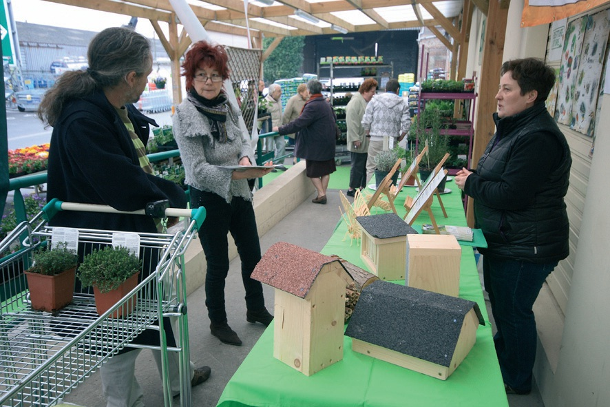 Les vendeurs des jardineries participantes s'attachent à orienter leurs clients vers des produits plus respectueux de l'environnement.