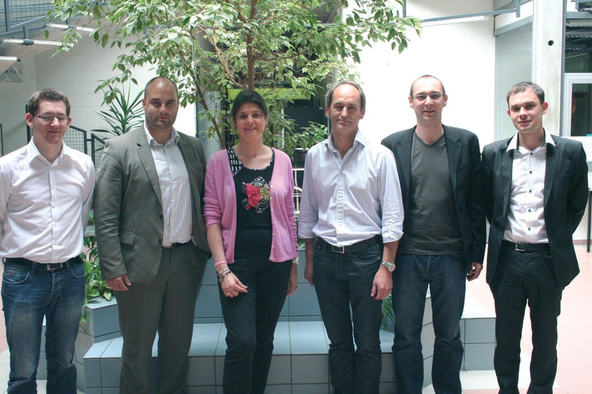 Les nouveaux dirigeants entrants autour de Pascale Nowak, la directrice de la Ruche technologique d'Hellemmes.