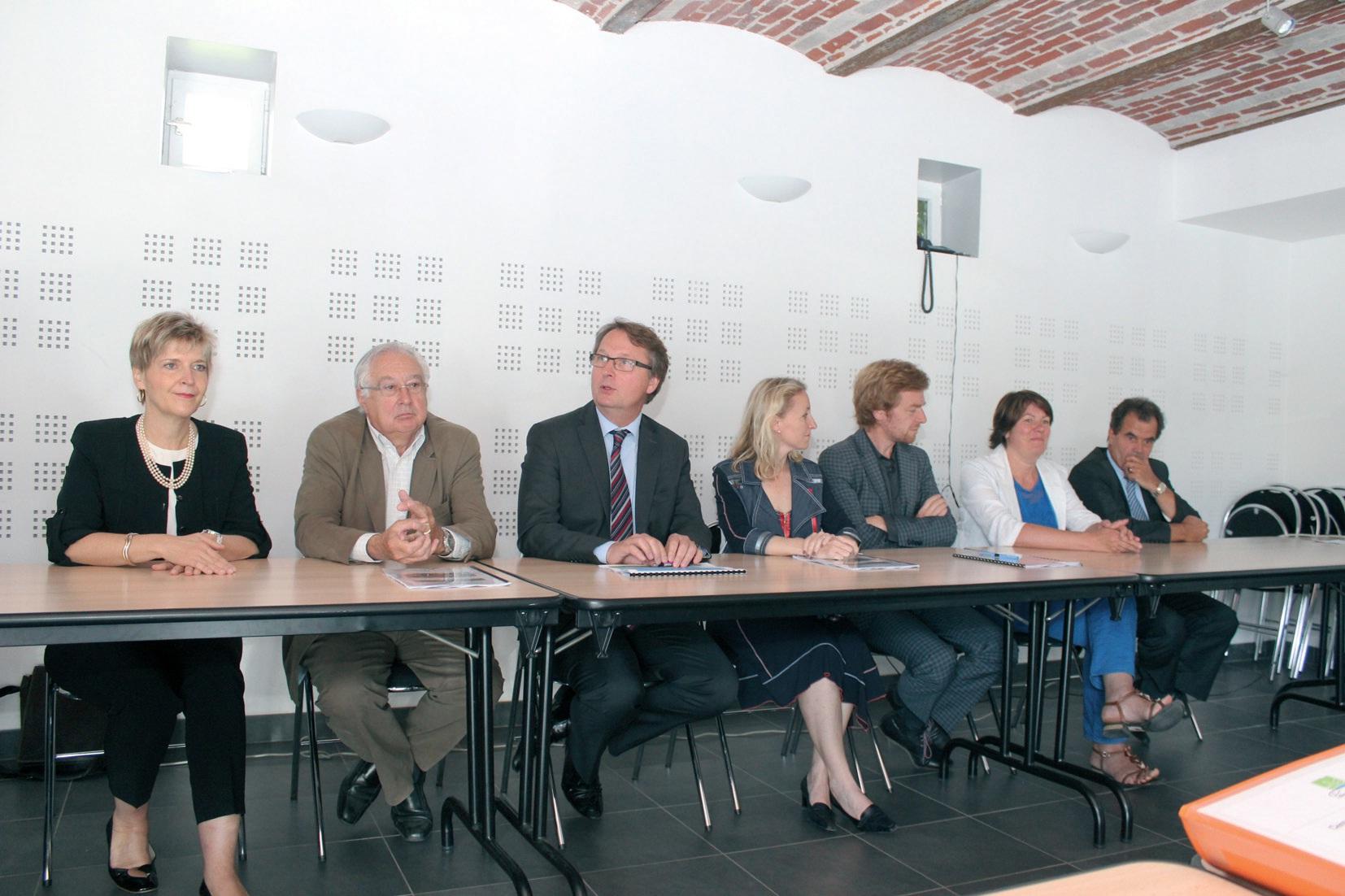 Les acteurs du projet ont signé le contrat de partenariat.