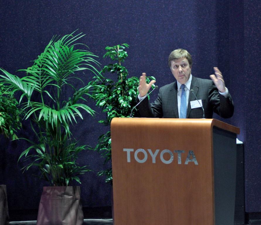 """Didier Leroy : """"L'usine valenciennoise va exporter 25 000 Yaris par an à partir de mai 2013."""""""