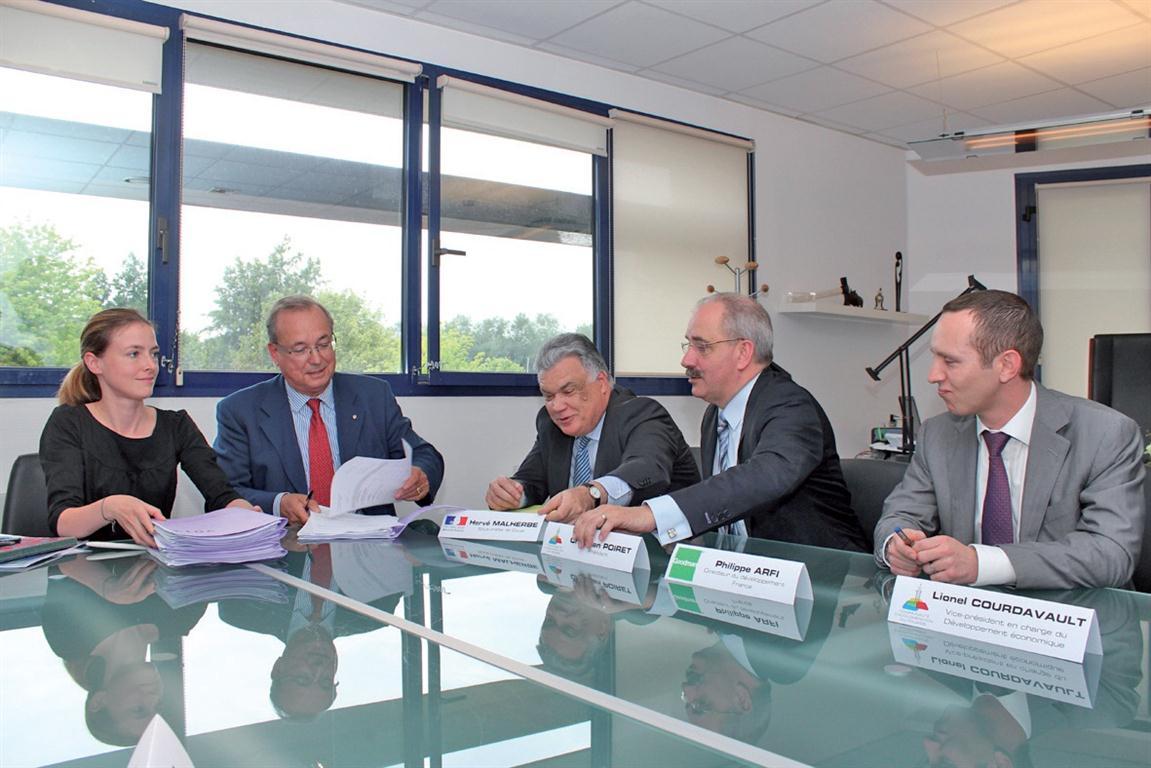 Assistée par l'étude notariale Allard la CAD a signé six contrats avec Goodman (conseillé par l'étude Le Breton et Associés).