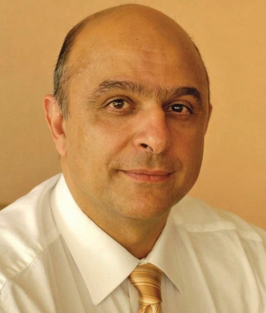 Marié, 53 ans, deux enfants, Antoine Assice est entré dans le groupe EDF en 1987.