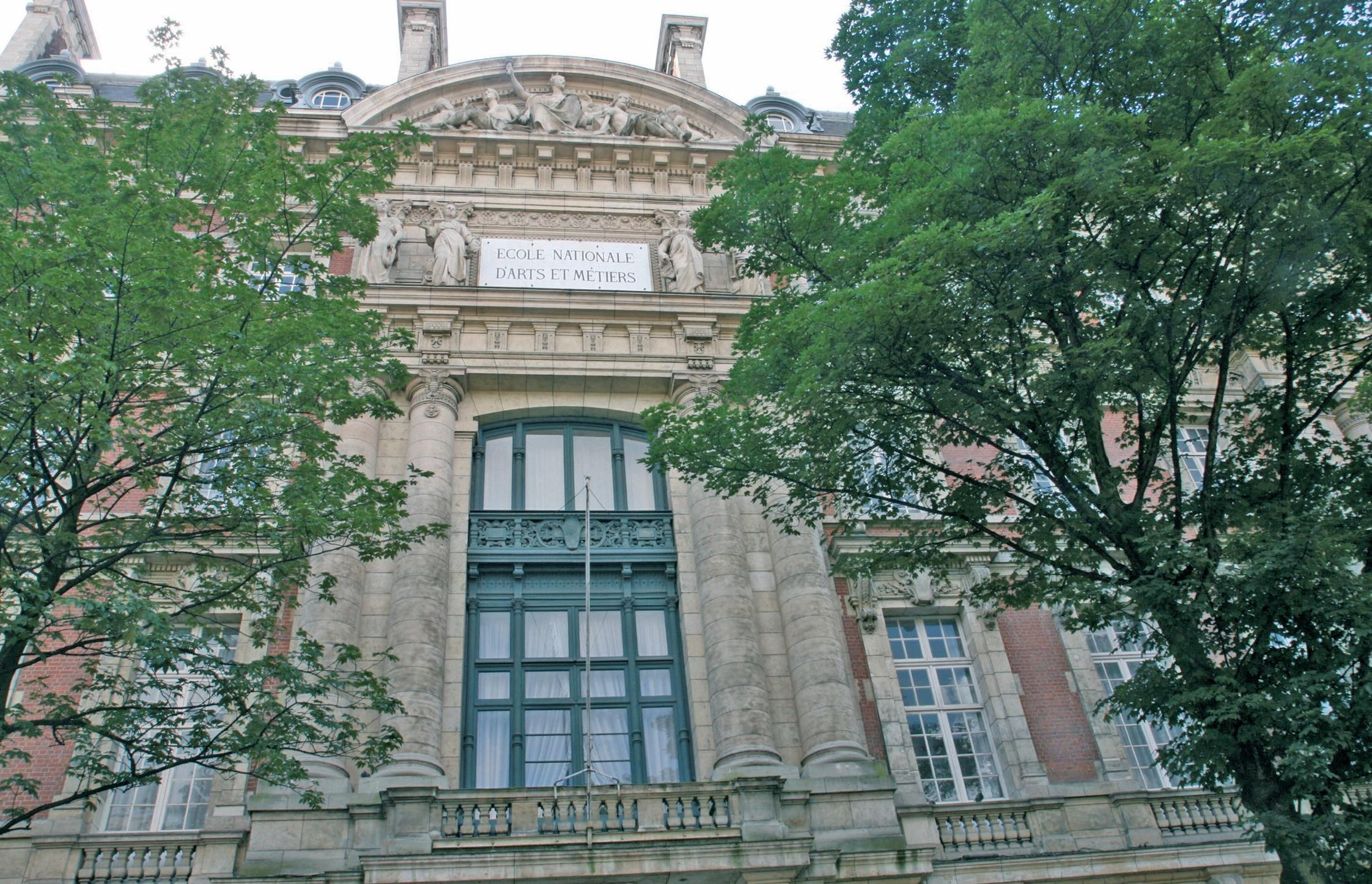 Le Cnam, installé boulevard Louis-XIV à Lille dans les locaux des Arts et Métiers, propose en plus de ses formations classiques des filières en alternance qui peuvent intéresser les entreprises.