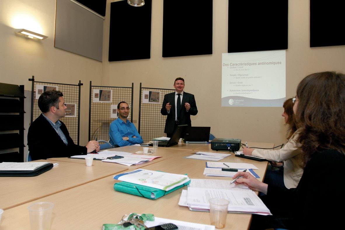 Franck Tognini, responsable du master intelligence économique, intervient régulièrement pour donner des clés de travail aux participants.