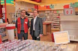 Farouk Saouli, directeur du magasin de Lomme, et Alexandre Dupriez, directeur général de l'enseigne Picwic.