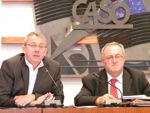Bernard Schoonaert, dirigeant des établissements de transports éponymes, et Joël Duquenoy, président de la Caso.