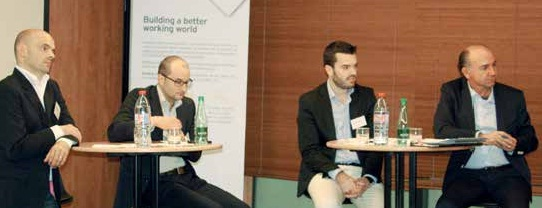 De gauche à droite, Sébastien Goiffon, Pdg de GB & Smith, Matthieu Bonenfant, directeur Marketing produits chez Netasq, Thibaud Saudrais, responsable qualité chez OVH, et Philippe Schröder, directeur de la rédaction de La Gazette Nord – Pas-de-Calais.