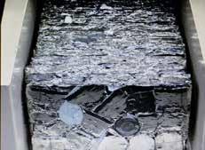 """A Fretin, on livre dorénavant aux aciéristes de tels """"paquets"""" de déchets métalliques, compactés et conformes aux exigences industrielles de recyclage les plus pointues."""