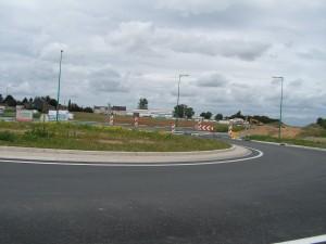 Le giratoire côté Bazuel a été terminé cet été. Il est désaxé par rapport au tracé d'avant.