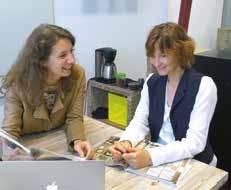Isabelle Bully (à gauche) et Anne Debertonne ont appris les techniques numériques sur le tas.