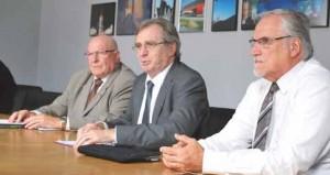 Lors de la conférence de presse, de gauche à droite, Jacky Lebrun, président de la CCI Picardie, Philippe Vasseur, président de la CCI Nord de France, et Edouard Magnaval, président de la CCI Artois.