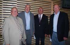 De gauche à droite, Christian Baly, président de PFI et vice-président de la CAB, Frédéric Cuvillier, député-maire de Boulogne, Robert Sotty et Alex Nicostrate, propriétaires des ex-salons funéraires Sotty.