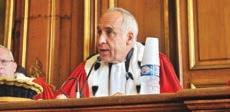 Bruno Cathala accueilli par ses pairs au Parlement de Flandre en audience solennelle.