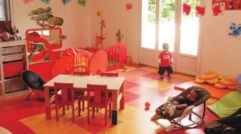 """Les micro-crèches """"Graines d'artistes"""" accueillent les enfants dans des locaux colorés, de 7h30 à 19h."""