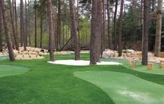 Le mini-golf du parc sera retravaillé de façon paysagère, il sera en gazon synthétique et accessible toute l'année.