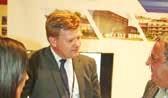 Frédéric Descamps, le dirigeant d'Urbaxim reçoit un visiteur sur le stand de son entreprise au forum ProjeCT City à Lille Grand Palais...