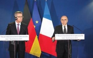 Le ministre de l'Intérieur, Bernard Cazeneuve, et son homologue allemand, Thomas de Maizière.