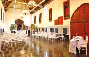 La salle des hospices accueille aujourd'hui conférences, séminaires, voire même des concerts.