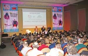 De nombreuses personnes ont assisté à l'assemblée générale de l'entreprise. L'occasion d'évoquer avec elles les résultats comptables et le chiffre d'affaires, en hausse malgré un contexte particulièrement difficile.