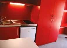 Les chambres (18 m² pour un T1 et 36 m2 pour un T2 ou T3) sont conformes aux standards actuels pour un espace de vie comportant une salle d'eau, une kitchenette, un espace de travail et de repos.