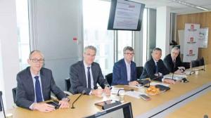François Codet, pôle finance, Alain Denizot, président du directoire, Philippe Lamblin, président du COS, Daniel Brika, pôle BDD, et Léon-Sylvain Lentenois, président du comité de gouvernance RSE et secrétaire du COS.