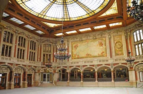 Le hall accueillera le public, et certains événements y seront organisés.