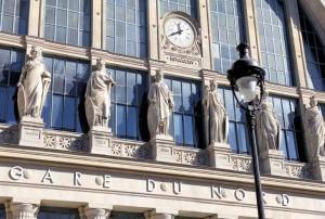 Avec ses 2100 trains et 700 000 visiteurs par jours, la Gare de Paris Nord est la plus grande gare d'Europe.