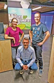 Les cofondateurs de Ninchanese, Sarah Aberman et Jean-Rémi Laisne, avec leur associé Mathieu Virbel.