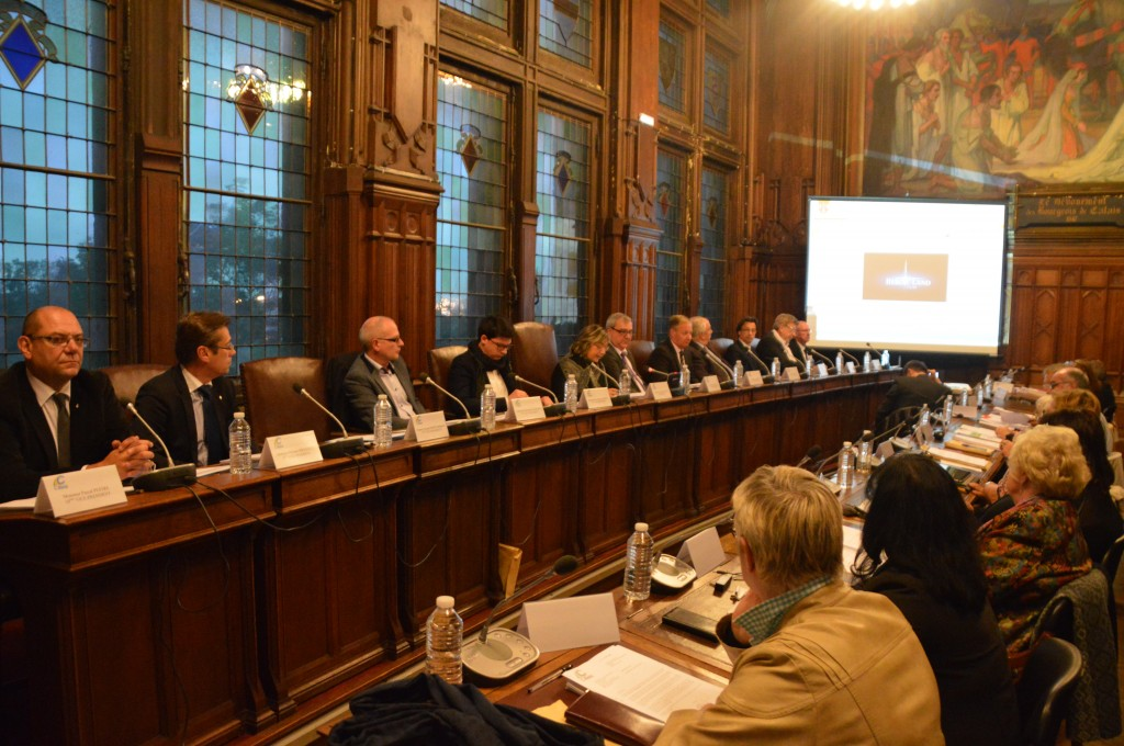 Le conseil communautaire, tenu le soir suivant la publication des plans 3D, a été particulièrement animé.